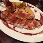 Butabarubiwaiokatamari - 【豚バルYコース】豚バル名物★新潟県産和豚もち豚肩ロース肉のボルケーノフランベ