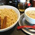 勢拉 - つけ麺(大盛)・黒極太メンマトッピング