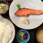今井総本店 - 鮭の塩焼きランチ950円