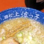 じょっぱりラーメン - 料理写真:ドンブリに飛び散った白い○○