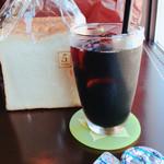 ブーランジェリー&カフェ・セドル  - 食パンとアイスコーヒー