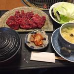 野野 - 料理写真:ボリュームランチ926円。かなりお得でした。