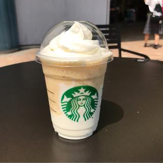 スターバックス コーヒー 東京ドームシティ ラクーア店 - キーライムクリーム&ヨーグルトフラペチーノ。 税込669円。 美味し。
