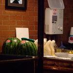 喫茶ママ - 大きなスイカは長野から、奥の練乳はマスター自慢の手作り