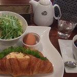 グルメカフェ六甲 - モーニングC 700円 (:1.クロワッサンサンド)