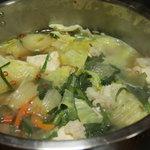 に志べ食堂 - もつ鍋をかき混ぜたところ