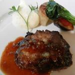 71102427 - 肉料理(シャリアピンステーキ)