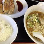 金石餃子店 - 餃子・ラーメンセット