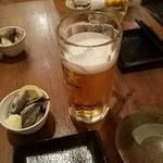 弥平 - お通しと生ビール