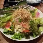 弥平 - パリパリしらすサラダ