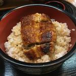 青柳 - うなぎ丼¥1,300-(税抜き)