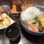 阪急そば若菜 - かき氷そば 天ぷら付(大盛り)750円