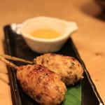 和食と炭火焼 三代目 うな衛門 - 鶏とウナギの串焼き