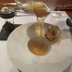 レストラン マノワ - 岐阜県天然すっぽんのコンソメスープ
