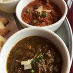 インド料理専門店 MUNA - 二種類ルー