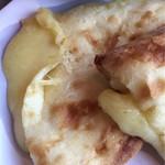 インド料理専門店 MUNA - チーズナン