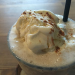 S.W.G cafe by ENLARGE - バナナシェイクはシナモン風味で、ここがお袋との違いです