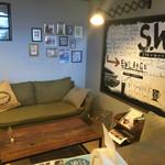 S.W.G cafe by ENLARGE - こんなリビングでくつろぎたいな←あと一歩でリノベーション