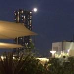ラ テラス - 月とビル…、その2