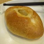 スワンカフェアンドベーカリー - 料理写真:レモンフランス160円(内税)。
