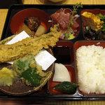 浅野 - 穴子天入り弁当 1350円
