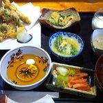 だいにんぐ芳 - 料理写真:日替わりランチ1050円 メインも選べます