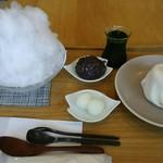 ふる川製菓 - 料理写真:かき氷宇治金時・ムース大福(桃)