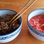 71121114 - 辛子高菜と紅ショウガ。