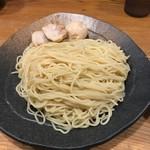 71121760 - 麺は中太