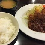 71123277 - 特選ロースとんかつ定食(¥800)