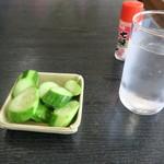 平九郎茶屋 - サービスのきゅうり