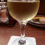 イタリアンバルパステル - 白ワインからタクン・セレクションシャルドネのグラス380円