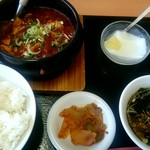 中国料理 東昇餃子楼 - 麻婆豆腐定食:600円