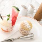 サロン・ド・テ・アンジェリーナ - バナナモンブラン、桃のアイスクリーム