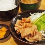 ごっちゃんまんま - 料理写真:しょうが焼き定食
