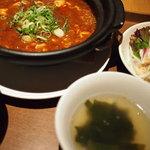 龍福小籠堂 - 麻婆豆腐と小籠包のセット