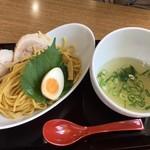 シェルトンバード - つけ麺(ホワイト)918円