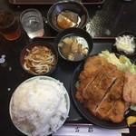 古都 - ミックスカツ定食(普通盛)週替わりサービス品