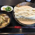 うどん家 一 - 肉汁うどん(冷たいうどん)