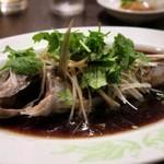 許厨房 - 蒸魚(イサキ)