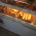神戸屋 - イロイロ 美味しそーなパンが☆★★☆神戸屋のコンビニとかでの袋パンは正直買わないんだけど…(´ー`)