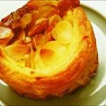 レロア - キャラメルクリームパン