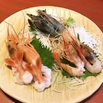 『千住の海老料理専門店』Shrimp Dining EBIZO 北千住 - 豪華 海老3点盛り(天使海老・赤海老・ボタン海老をチョイス)税別2,260円