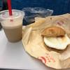 ロッテリア - 料理写真:タルタルエッグバーガー と  珈琲スムージー(期間限定)