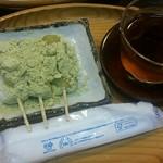 三井寺力餅本家 - 料理写真:力餅とお茶