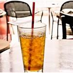 プルーカフェ - セットのウーロン茶。