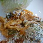 ラ・セール - サヨリの香草パン粉焼きの下にはパスタが