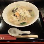 中華料理 瀋陽飯店 - 「肉野菜塩ラーメン」730円