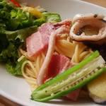 モーツアルト - 「夏野菜とベーコン・イカのソルトパスタ」