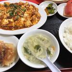 中国家庭料理大連 - 麻婆豆腐定食 780円。